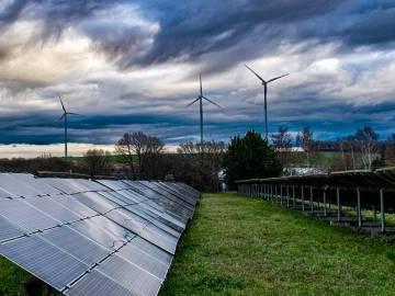 Los parques eólicos y las plantas solares fotovoltaicas requieren de un sondeo previo del emplazamiento al que puede ayudar el índice de sensibilidad ambiental