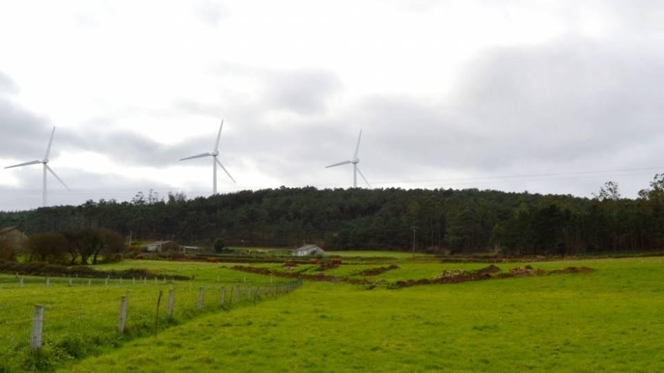 Fotomontaje de un parque eólico (Elaboración propia)